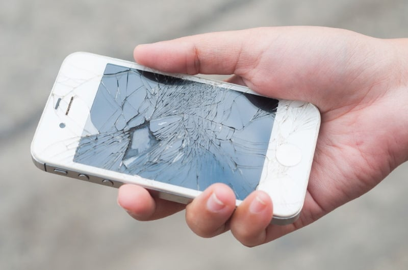 Other Dangers of Using a Cracked Phone