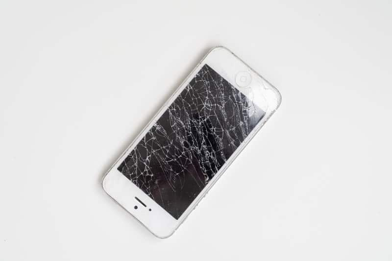 Radiations from Cracked Phones